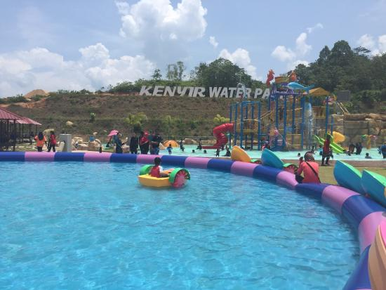 Kenyir Water Park