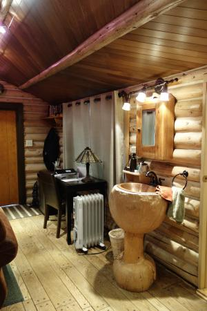 Ultima Thule Lodge: Inside of our cabin