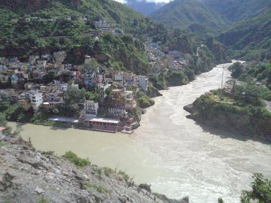 ‪‪Devprayag‬, الهند: Birth of GANGA- Left BHAGIRATHI and Right Alakananda rivers‬