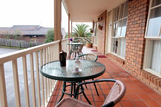 Summerhill Motor Inn: Balcony