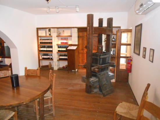 Alikampos, Griekenland: Inside the tasting room