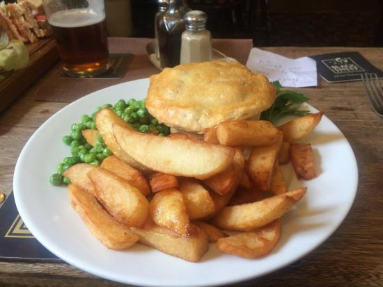 The Shoulder of Mutton Inn: The pie of the day!