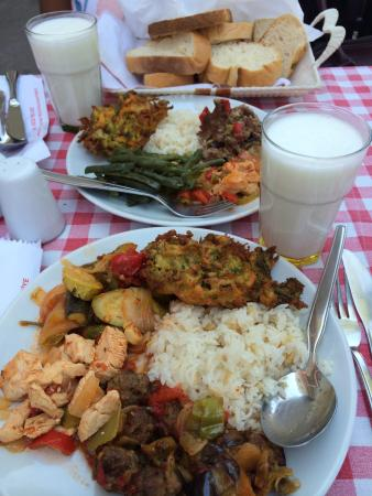 Efes Koftecisi : Hearty lunch buffet