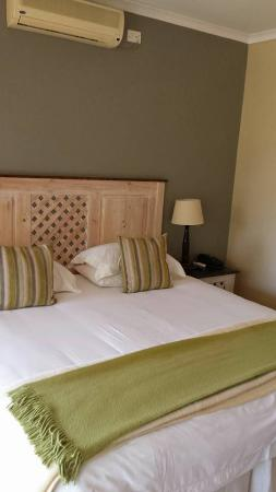 Boulders Lodge & Spa: Photo of the bed