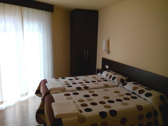 Hostal Sant Sadurni D'anoia: Habitacion doble 2 camas