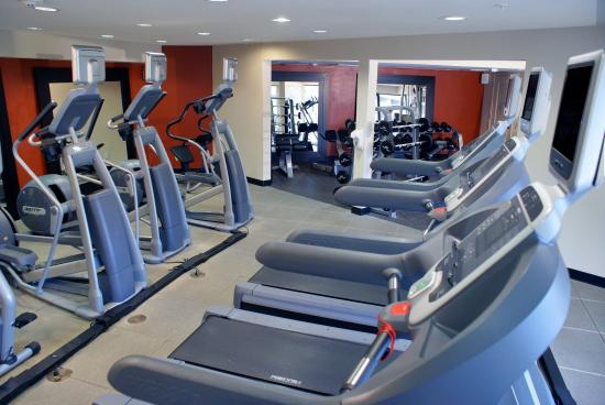 Hilton Garden Inn Monterey: Fitness Center Machines