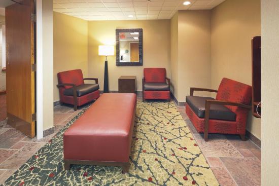 radisson hotel cleveland gateway 82 1 0 9. Black Bedroom Furniture Sets. Home Design Ideas