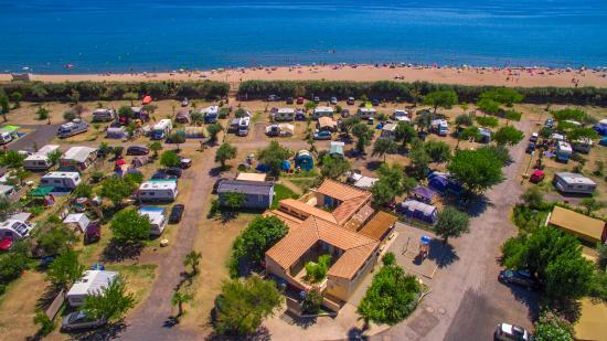 Camping la plage et bord de mer photo de camping plage - Camping a valras plage avec piscine ...
