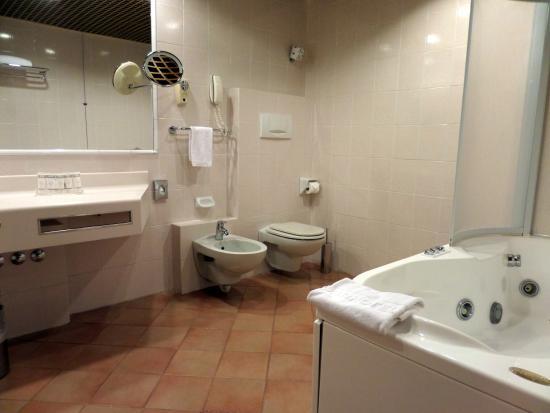 Vasca Da Bagno Torino : Vasche da bagno angolari torino quali sono le ultime idee di