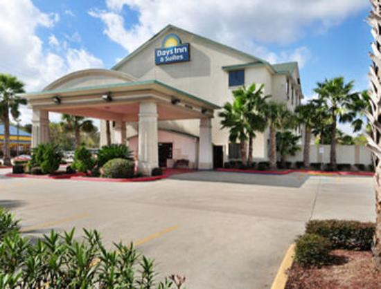 Photo of Days Inn and Suites Houston North/Aldine