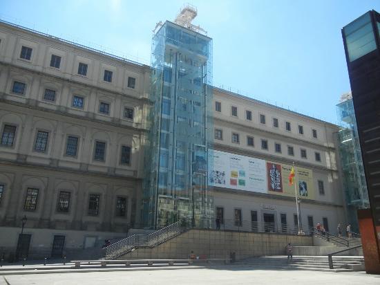 Madrid museo reina sofia vecchio edificio picture of - Museo nacional centro de arte reina sofia ...