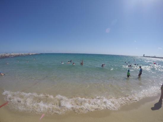 海の家もあり - Picture of Bogatell Beach, Barcelona - TripAdvisor