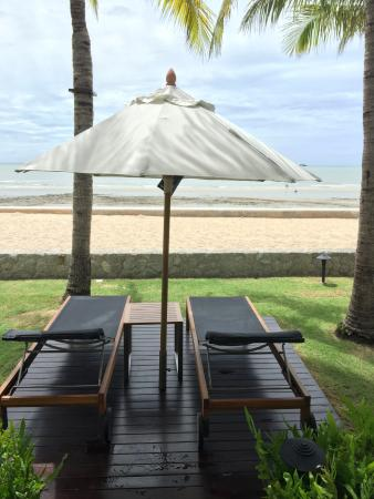 Rest Detail Hotel Hua Hin: Perfect time to sunbathe
