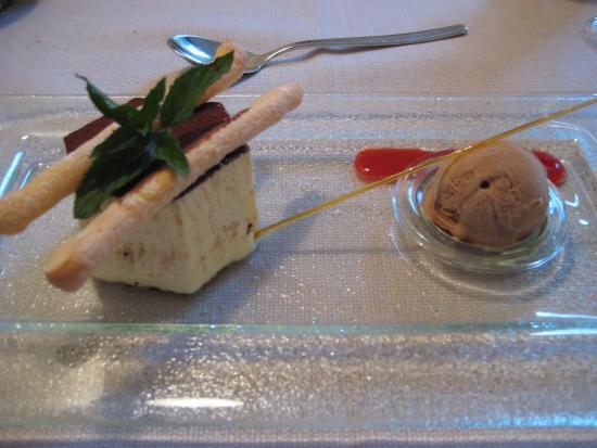 Hotel Weingut Stroblhof: Dessert Tiramisu