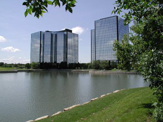 Embassy Suites by Hilton Kansas City-Overland Park: Attractions