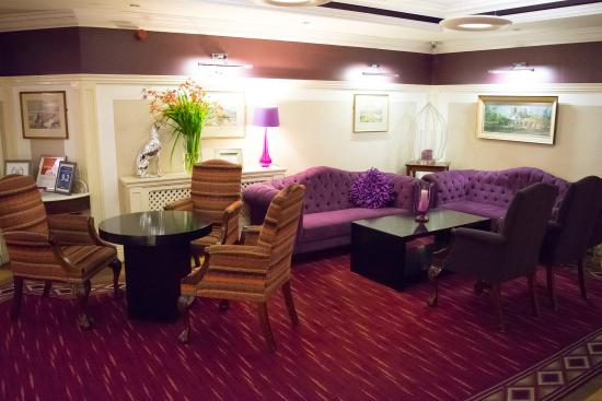 Castle Hotel and Leisure Centre: The relaxing reception