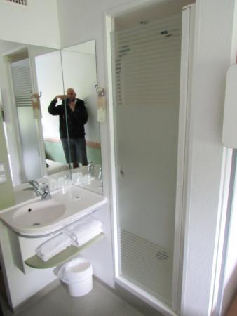 Ibis Budget Tours Nord: Angolo bagno