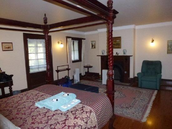Lochinvar House B&B: Our room at front of house