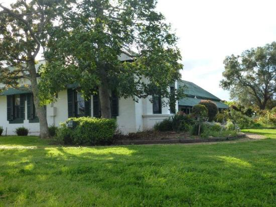 Lochinvar, Australia: Sit in the western bower outside the billiard room and watch the sunset