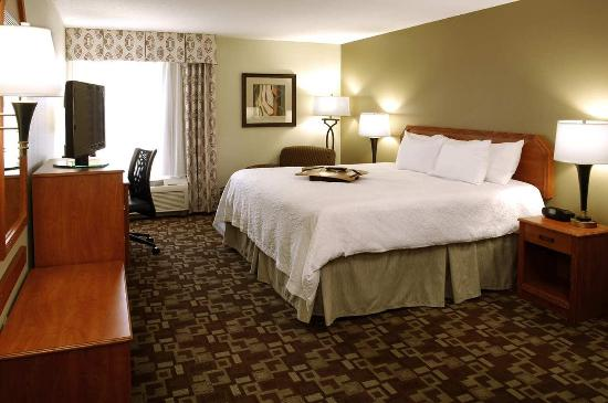 Hampton Inn Portage: Standard Bedroom