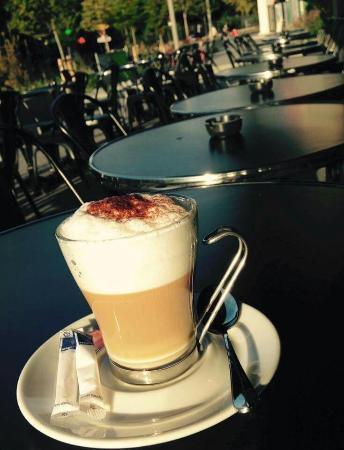 Bonjour Et Bonne Journée Picture Of Iguana Cafe