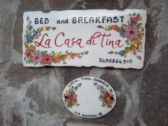 La Casa di Tina: Welcoming entrance