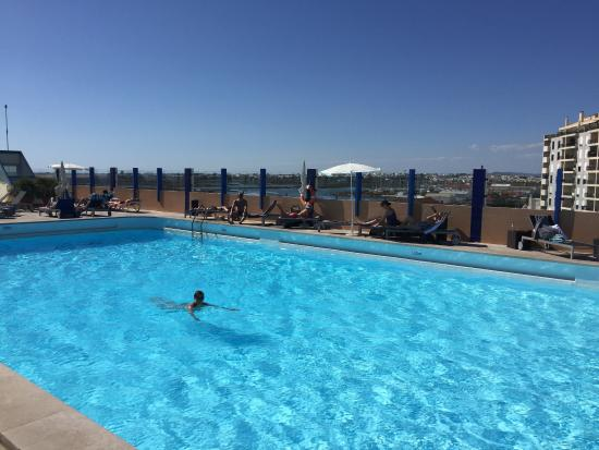 Großer Pool großer pool auf dem dach picture of hotel faro tripadvisor