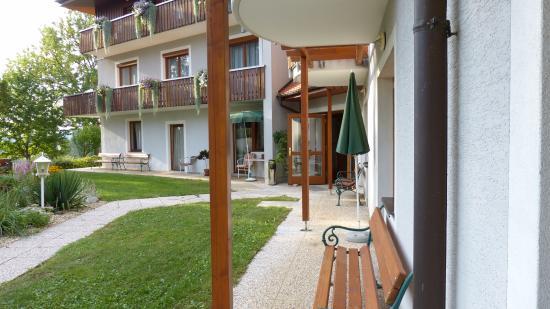 Lassnitzhoehe, Österreich: Terrasse vor dem Zimmer