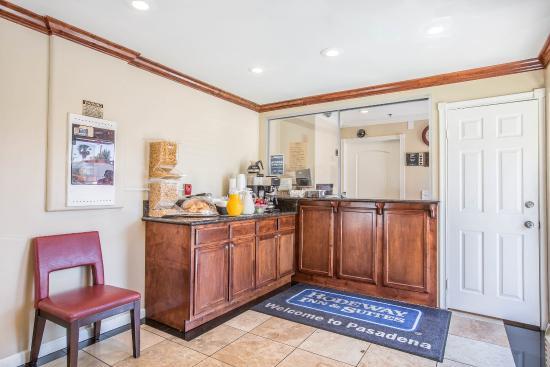 Rodeway Inn & Suites Pasadena: CABKFAST