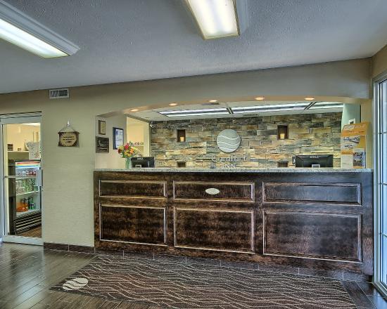 Comfort Inn Charleston: WVFront Desk