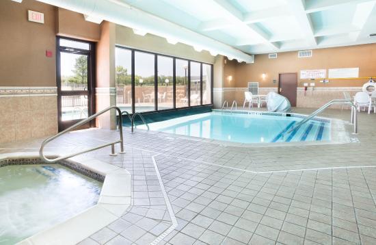 Drury inn suites birmingham lakeshore drive updated for Pool show birmingham