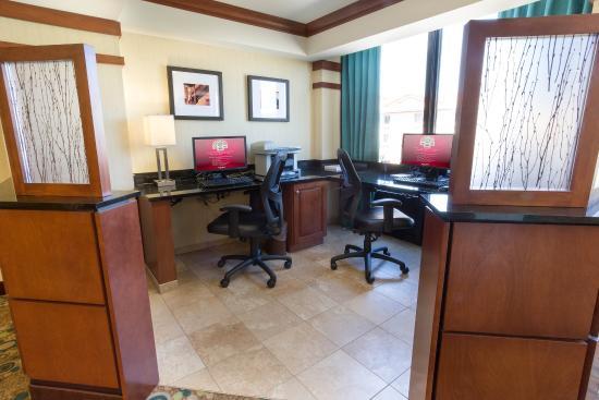 Drury Inn & Suites Birmingham Lakeshore Drive: 24-Hour Business Center