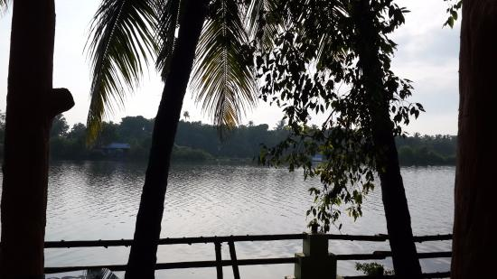 Country Club Rock Springs: The backwaters view from the room