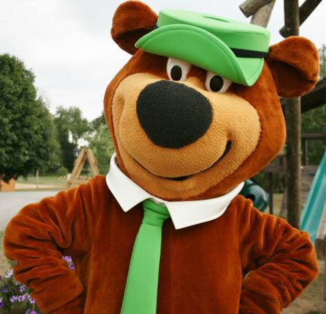 Uniontown, OH: Hang out with Yogi Bear™