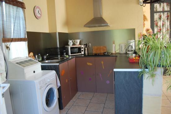 Vignonet, Frankreich: cuisine des 2 chambres d'hôtes