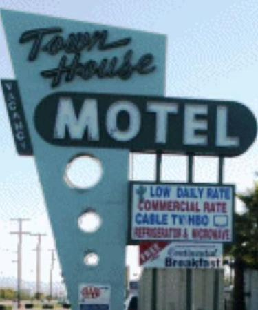Town House Motel: Exterior view