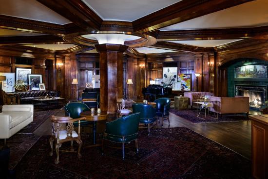 هوتل سورينتو: Fireside Lobby Lounge
