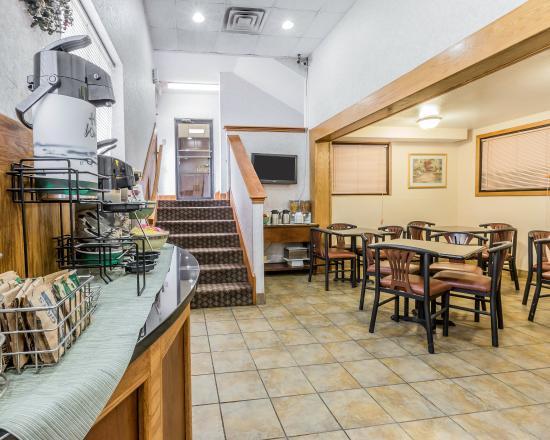 Quality Inn Pell City: ALBkfast