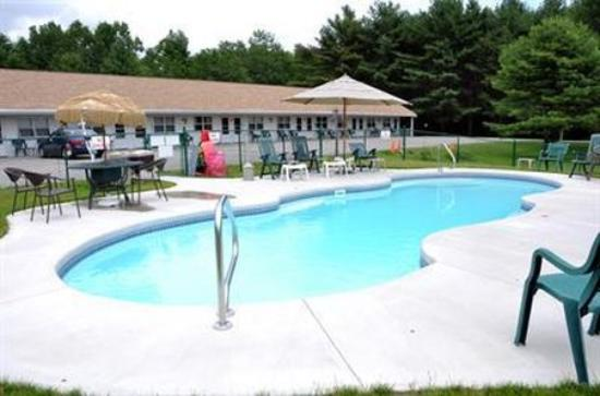 Axell's Scandinavian Inn: Pool