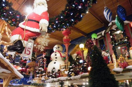 Bronner's Christmas Store - Picture of Bronner's Christmas ...