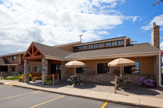 Photo of AmericInn Lodge & Suites Roseau
