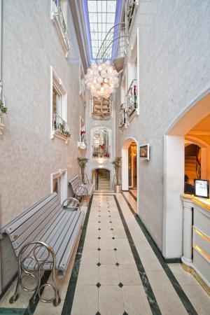 Hotel Amira Istanbul: Lobby