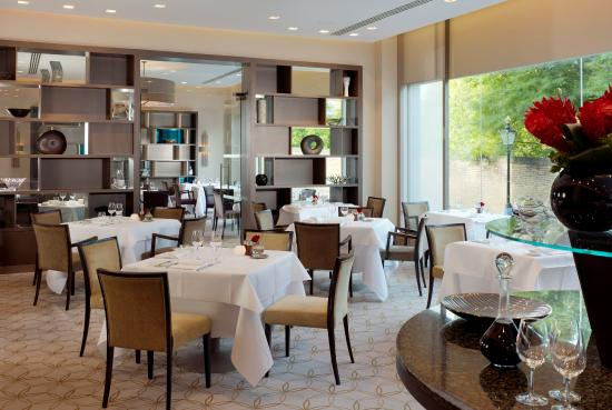 Royal Garden Hotel: Park Terrace Restaurant