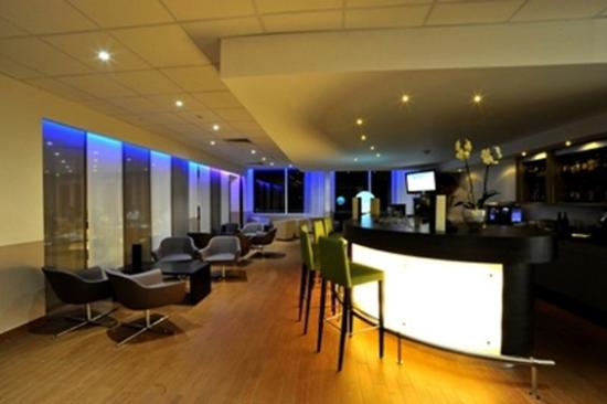 Hotel Royal Mirabeau by HappyCulture : Bar