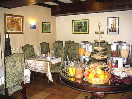Hotel Les Pasteliers  Albi  France    Voir Les Tarifs  103