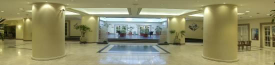 Austral Express: Lobby