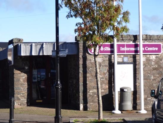 Kirkcudbright VisitScotland Information Centre: Entrance