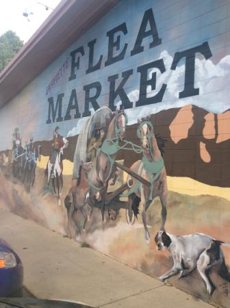Lafayette, Kolorado: Mural at entrance