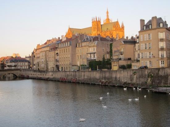 canal moselle photo de canal de la moselle metz tripadvisor. Black Bedroom Furniture Sets. Home Design Ideas