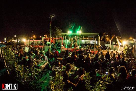 locale in serate estive - Foto di Kontiki, San Benedetto Del Tronto ...